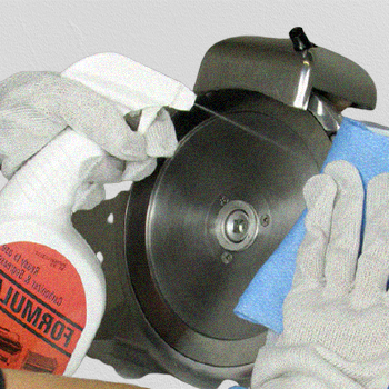 Cleaning a meat slicer