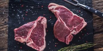 Porterhouse Steak vs Ribeye<br>Which is Better?